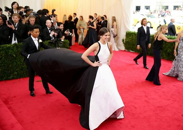 Hailee Steinfeld wore Prabal Gurung at the Met Gala 14.