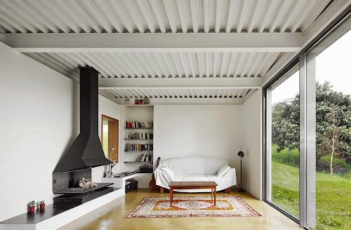 Lara Rios House by Miba Architects