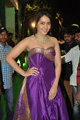 rashi khanna new sizzling pics-thumbnail-3
