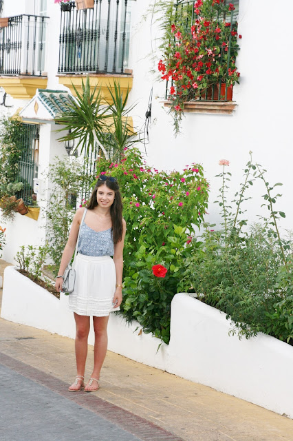 Katherine Penney Chic Spain Malaga Pretty Holiday Summer White Beautiful Travel