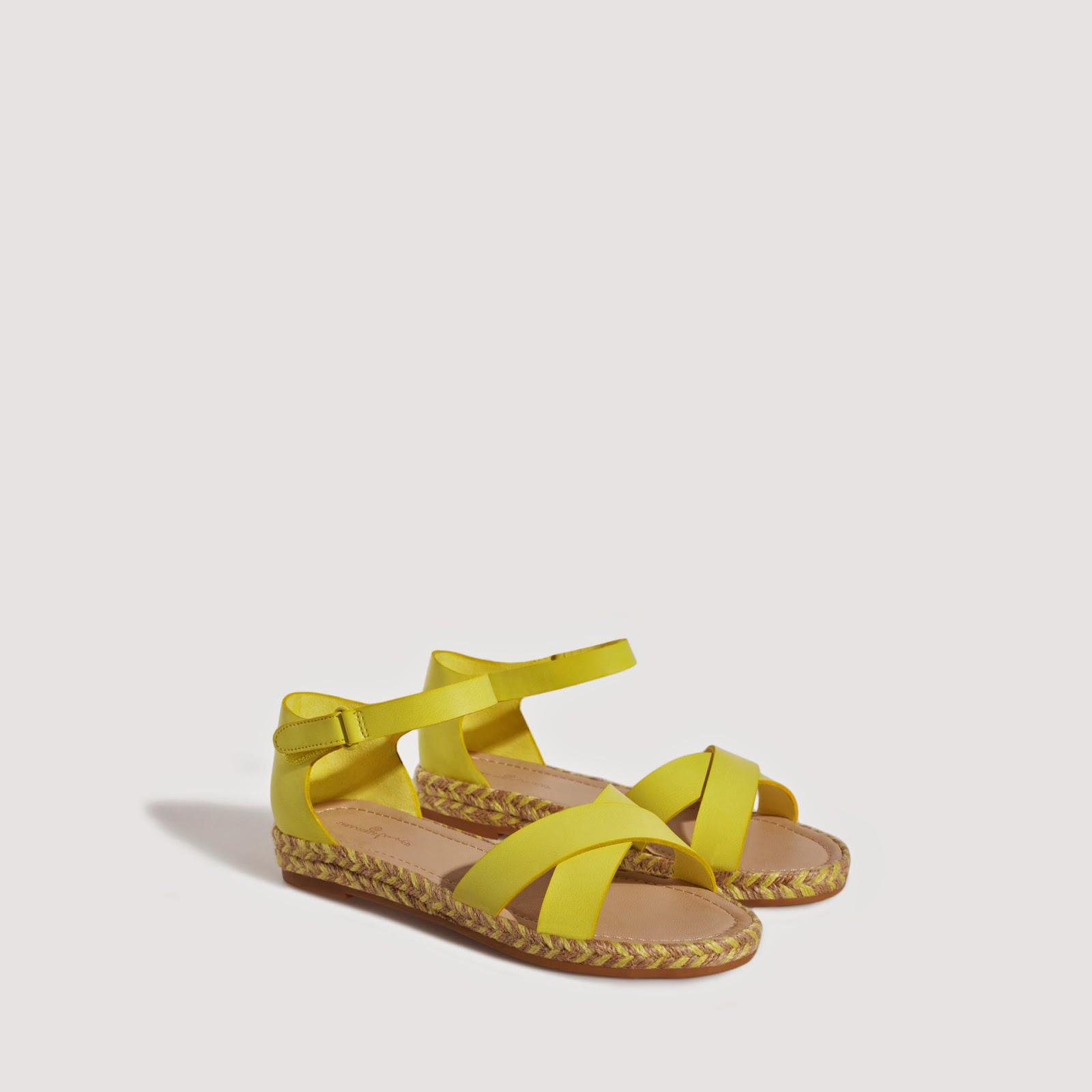 Sandalias Niña/Sandals Kid: ZARA