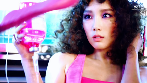 Girls Generation Mr Mr Taeyeon