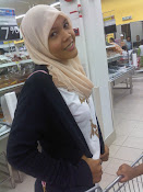 shopping at tesco wif sis