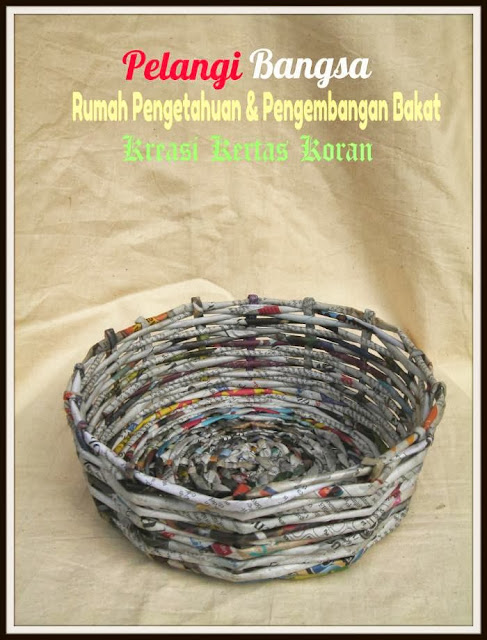 corporate social responsibility) kerajinan tangan kreasi kertas koran