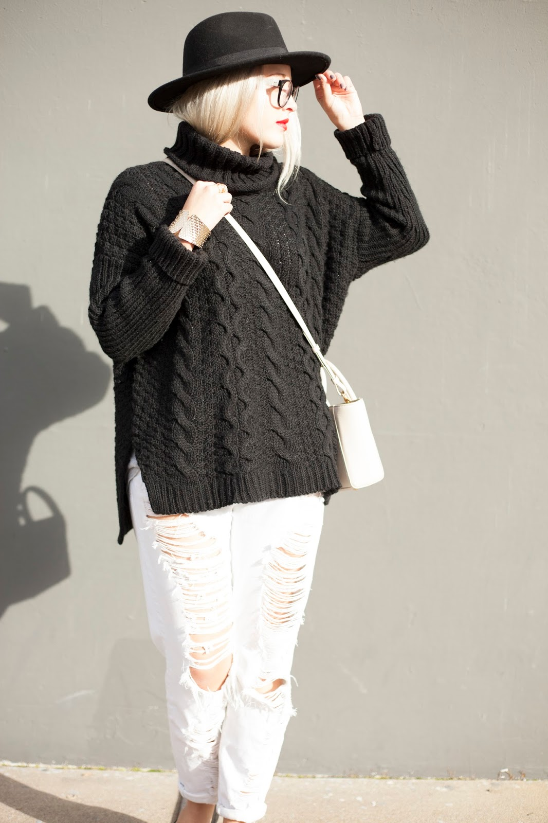 Black Chunky Turtleneck Sweater and White Distressed Denim, perfect San Francisco style!