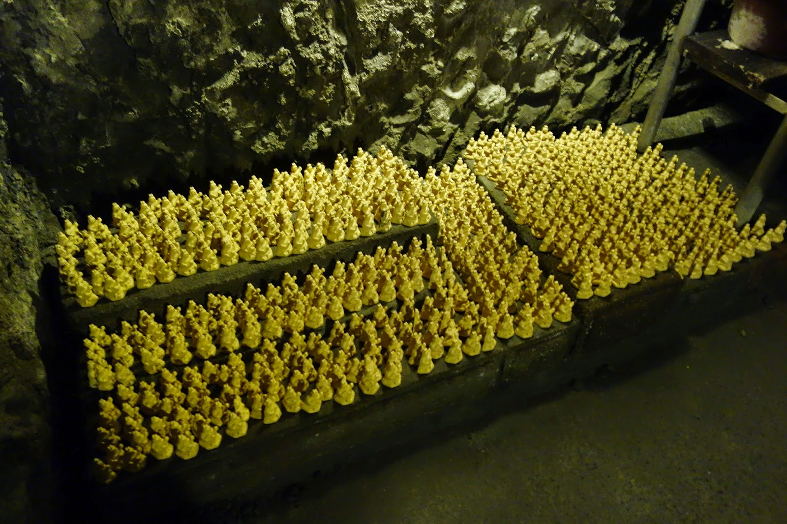 Hasedera 長谷寺 temple Hase Temple kamakura japan tour trip cave benzaiten