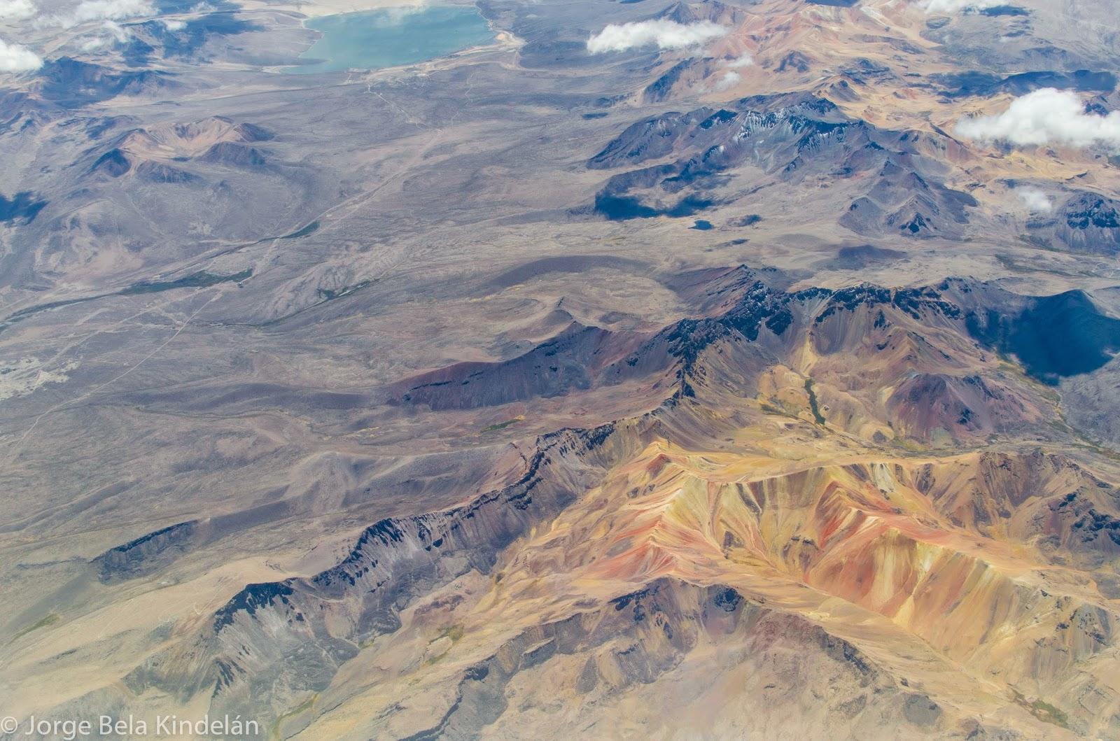 Zona desértica al norte de Chile. Foto: Jorge Bela