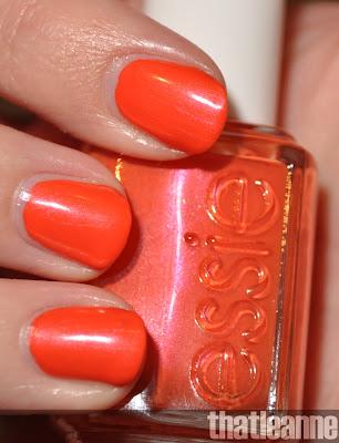 Uñas, manos y pies (dudas y uñas del día) - Página 2 Essie+braziliant+swatch+flash