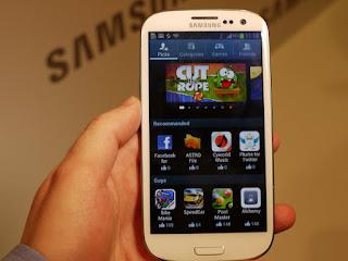 jenis layar galaxy s 3, ketajaman layar hp samsung galaxy s IIII, layar handphone android paling bagus saat ini, teknologi super amoled pentile