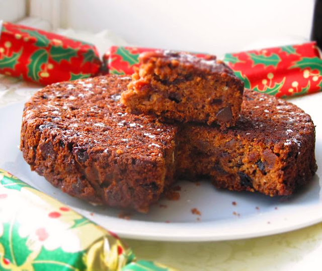 Spice and Curry: Christmas Fruit Cake and Merry Christmas