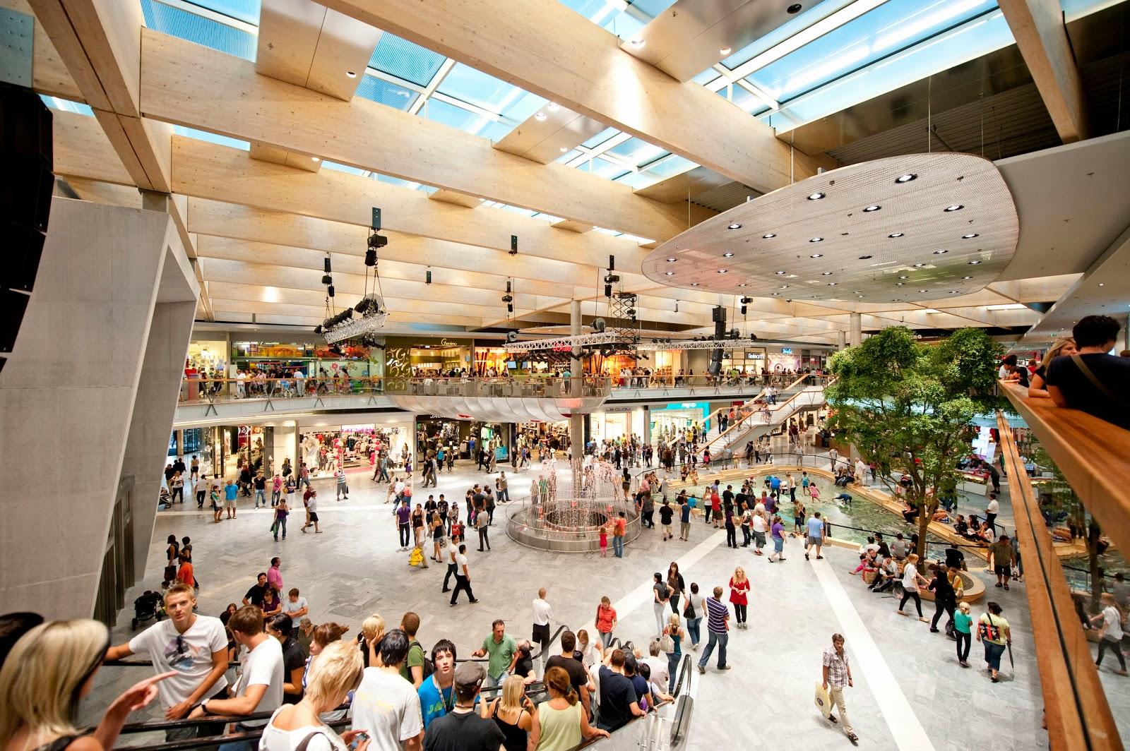 O Shopping Center do Litoral Alentejano e do Terminal Rodoviário em na cidade de Sines Vollwandtraeger_Varena_04