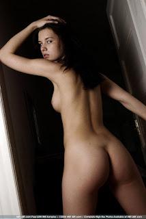性感的成人图片 - sexygirl-monika_aka_mona_15-780420.jpg