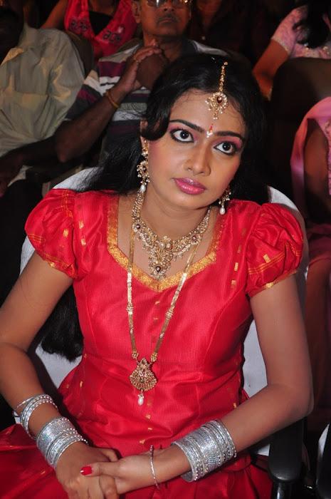divya vishwanath @ puli vesham audio launch