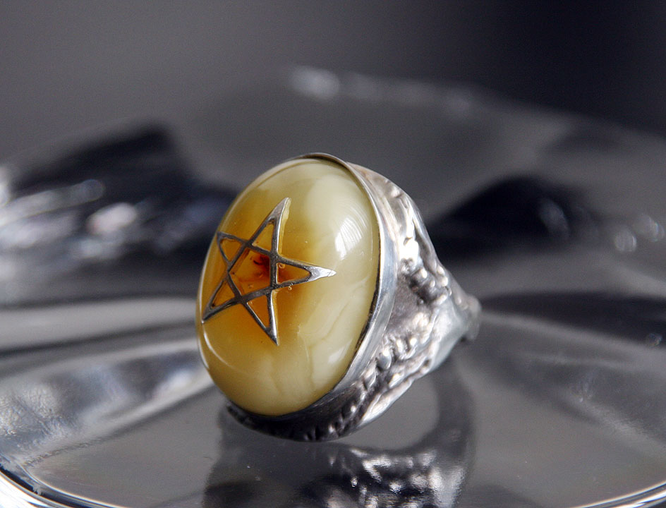 Angelheart Ring