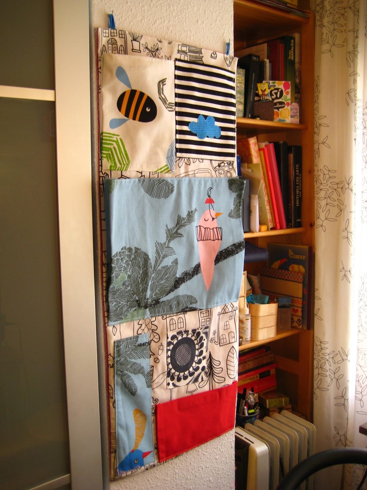 Hacer Un Organizador De Baño: coser: Haciendo un organizador de pared con sobrantes de tela