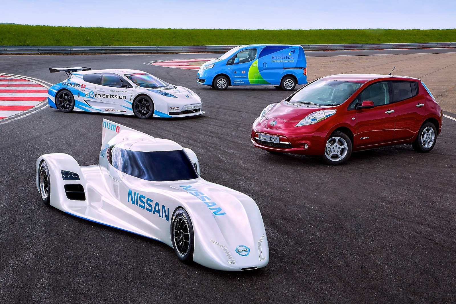 NISSAN unveil world's fastest electric racing car at Le ...