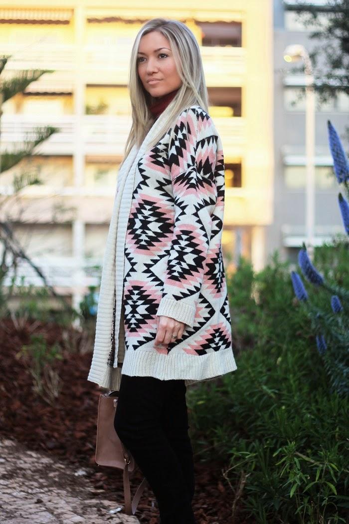 Olá, Amores!! E começamos esta Nova Semana com um 'Look do dia', já que é um dos posts favoritos. Aqui usei um casaco de malha/cardigan giríssimo da Sheinside, com um padrão étnico em creme, preto e rosa pastel. Outfit. Dicas de Moda e Imagem no Blog de Moda Style Statement. Tendências, Primavera/Verão 2015. Blog de moda portugal, blogues de moda portugueses.