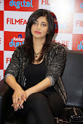 shruti haasan latest photos-thumbnail-18