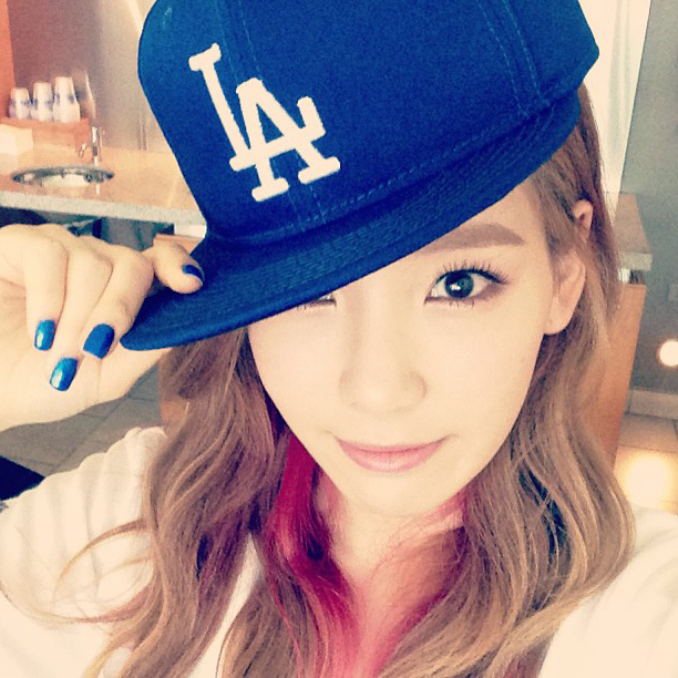 snsd+taeyeon+baseball+(3).jpg