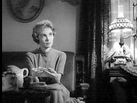 psycho parlour scene analysis The mise-en-scene is extraordinarily influential throughout psycho but the best example of this would be in the parlour scene one of the main objects in this scene is the milk jug that norman carries on the tray.
