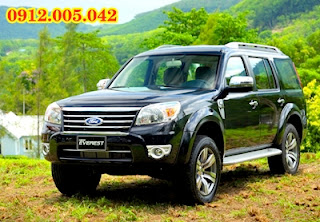thue xe ford everest