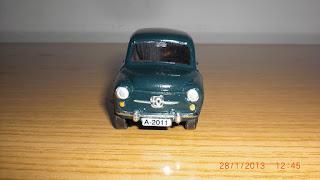 coche en miniatura diecast metal de seat 600