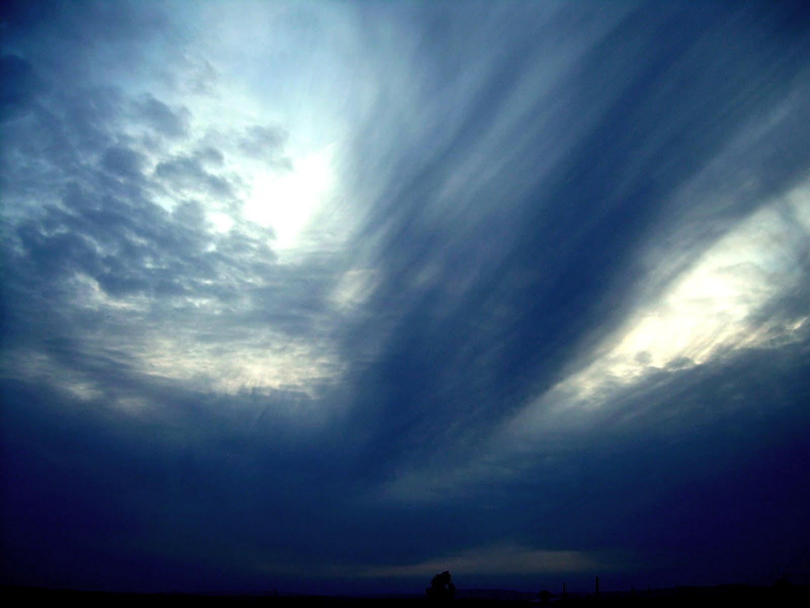 """""""Al sur de las bajas nubes"""""""