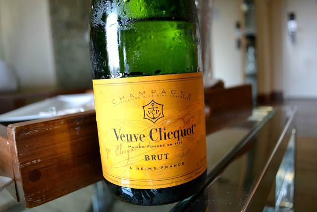 Andaz San Diego room service Veuve cliquot champagne Hyatt Hotel #cbias