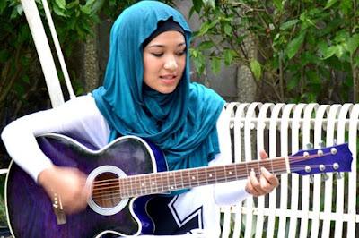 Empat Youtubers Wanita Paling Hot di Indonesia