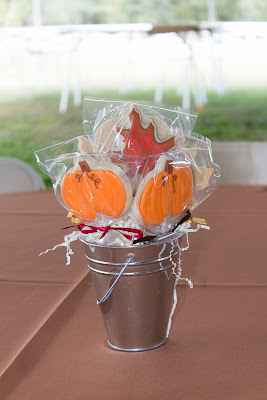 pumpkin and leaf cookie pops