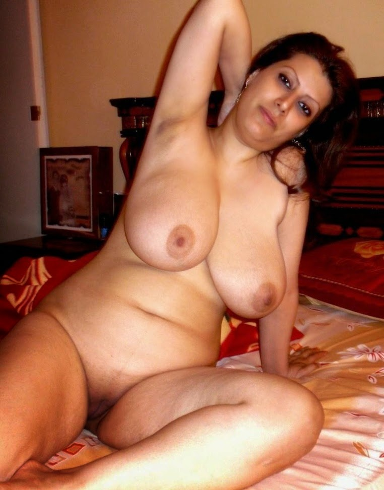 Hot naked arab actredd