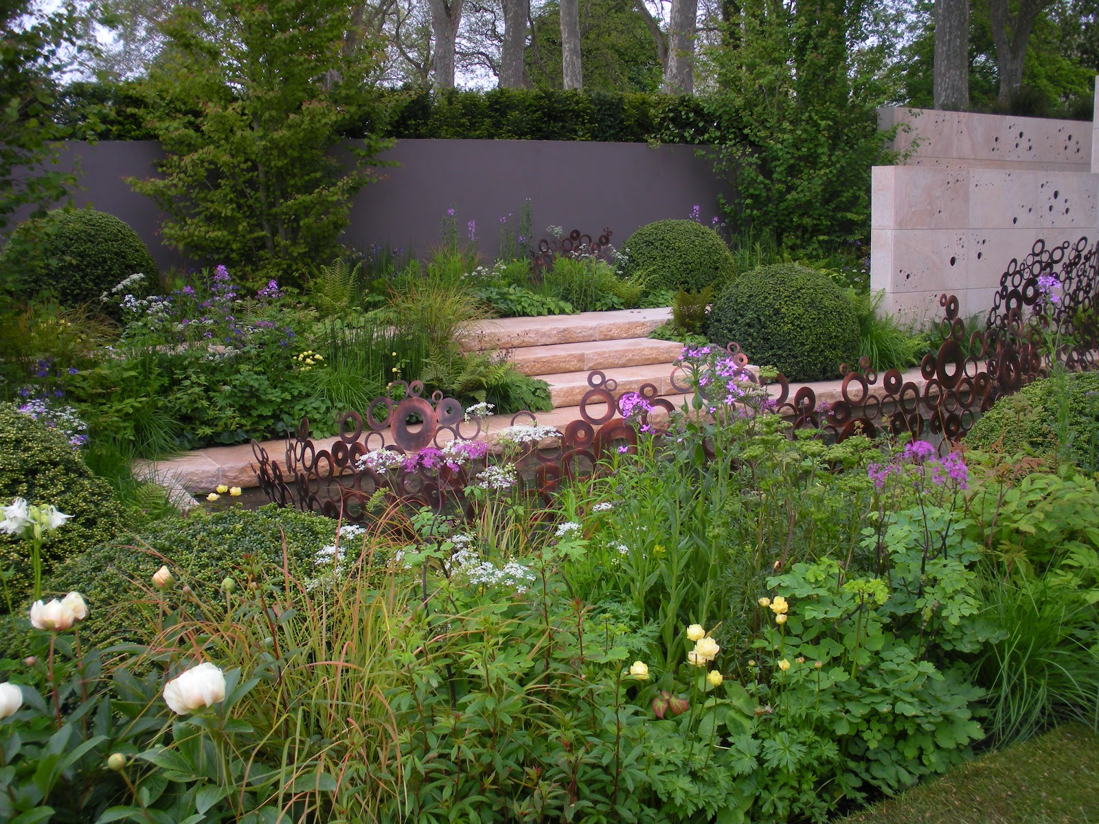 Victoria 39 s backyard chelsea flower show 2012 the first for Chelsea garden designs
