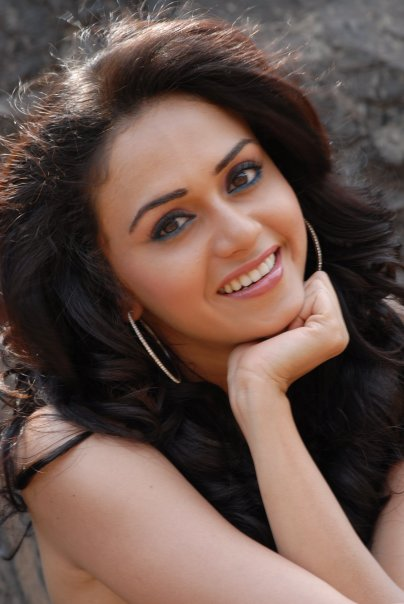 images of amruta khanvilkar8