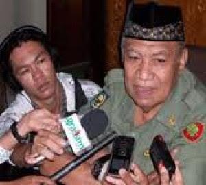 Walikota Tarakan Serahkan Tuntutan Pendemo ke Kapolda Kaltim - Ardiz Borneo