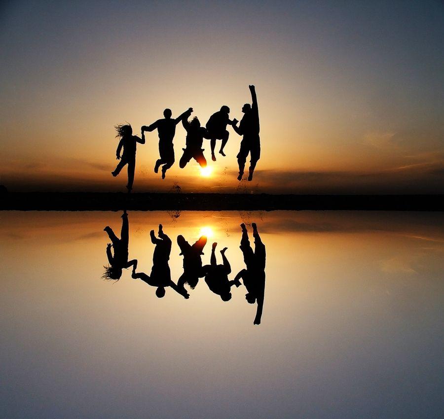 23. sunset friends by Alex Emanuel Koch