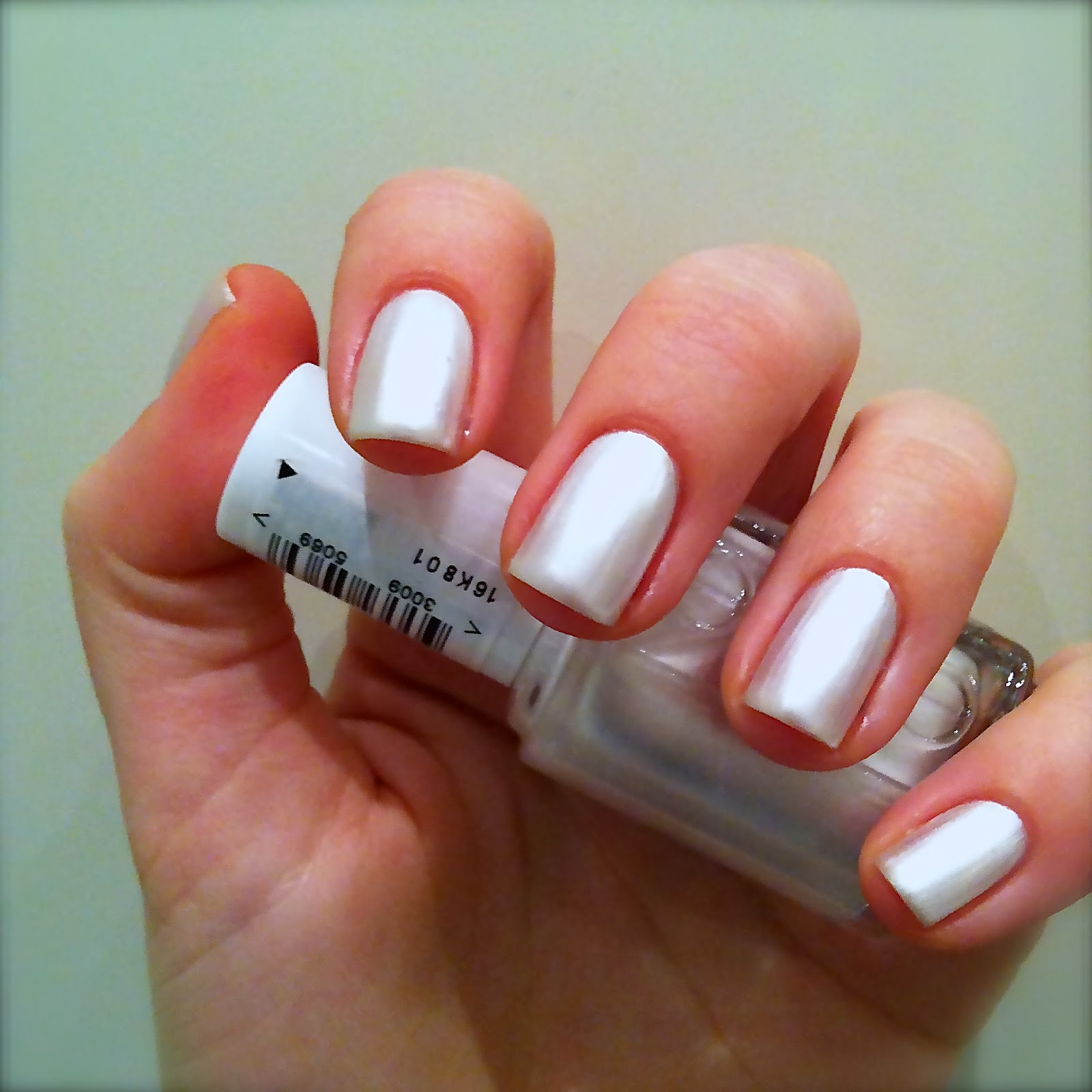 Nails Always Polished: Essie Pearly White