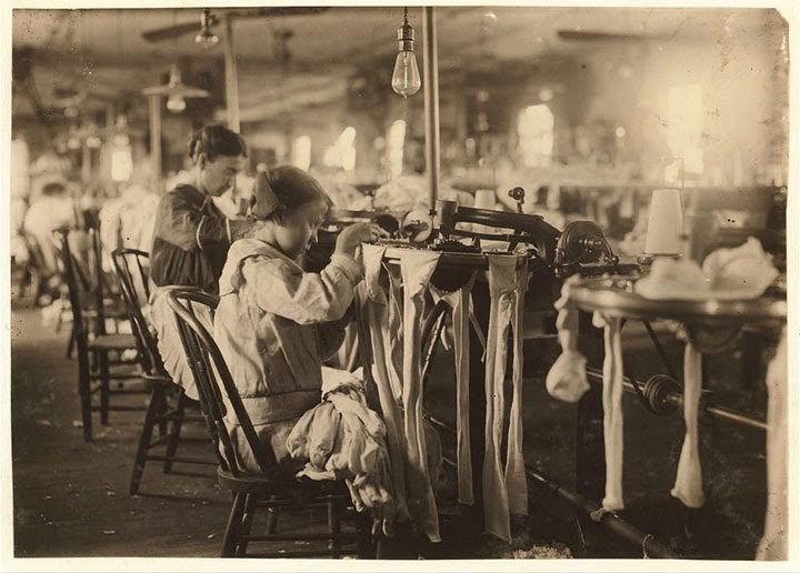 filles de onze ans travaillant
