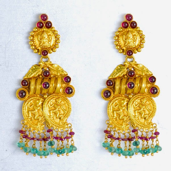 Earring Models of Joyalukkas