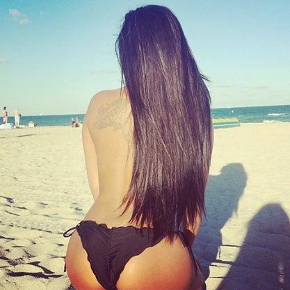 Danielle Rich, bloguera sexy: morenaza, traviesa, sensual y muy caliente .Chicas sexys 1x2, whatsapp pics.
