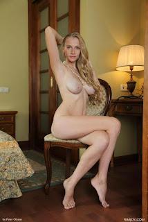 Hot ladies - rs-0004-777413.jpg