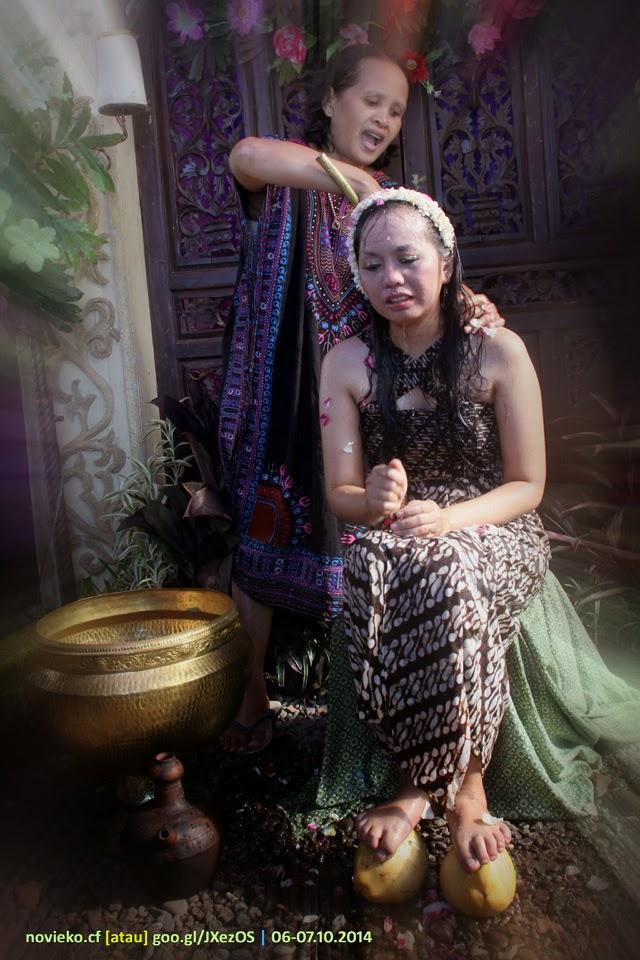 Dokumentasi Foto Resepsi Siraman Pranikah NOVI & EKO, 6 Oktober 2014 - foto oleh KLIKMG2 Fotografer Purwokerto