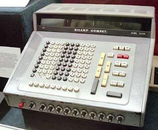 SHARP CS-10A tranzisztoros számológép