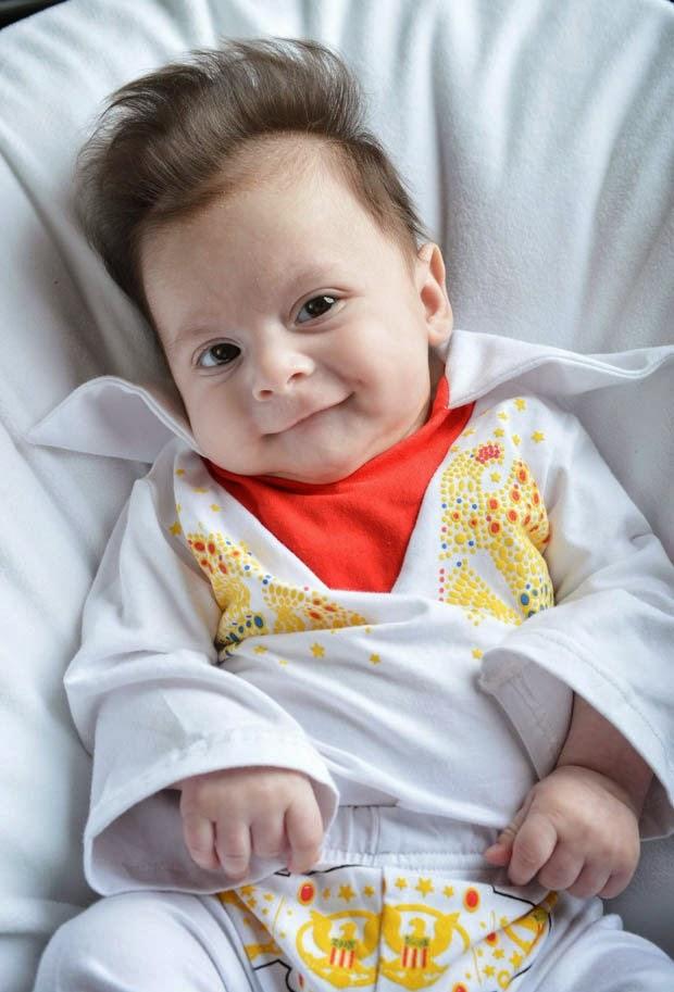 Bebê George Georgious nasce com topete de Elvis Presley
