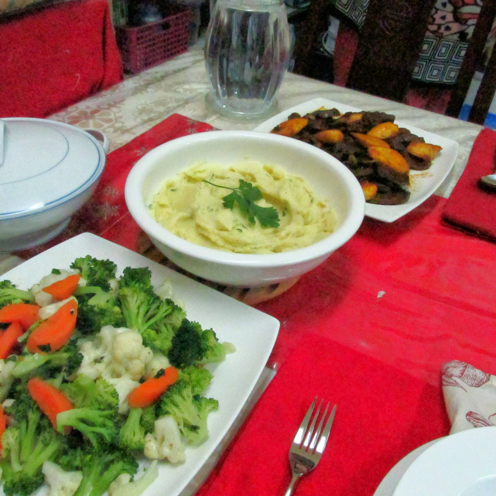 Darlene cooked this: Straciatella, Lengua Estofada, Steamed Vegetables, Mashed Potatoes
