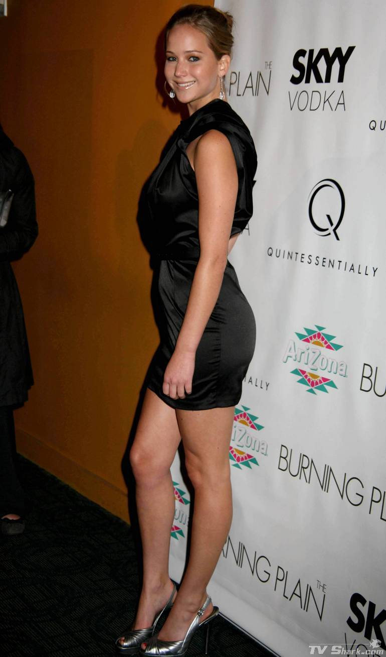 Jennifer_lawrence_legs_black11_lgjpg