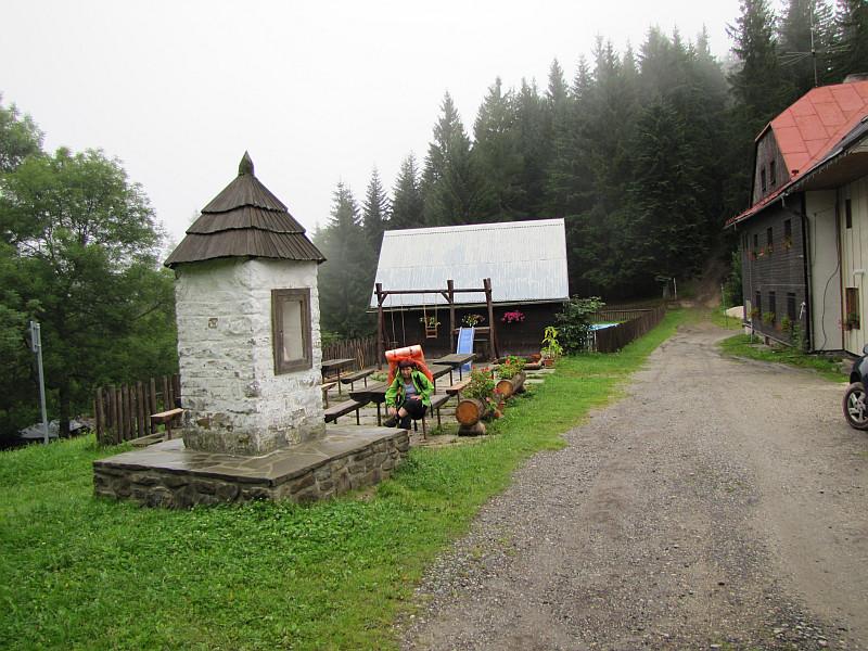 Kapliczka pod Chatą Kmínek.