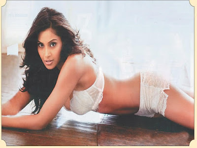 Bipasha Basu Latest 2012 Wallpaper in Players