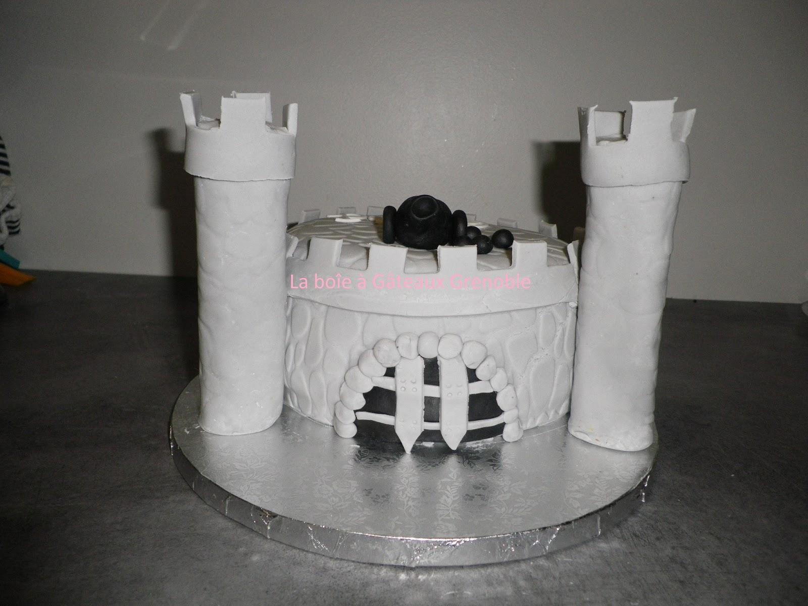Voici un gâteau qui change des châteaux de princesse. Cest le ...