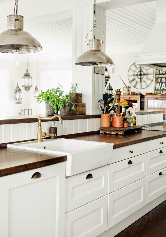 Decor Inspiration A Farmhouse New England Style With