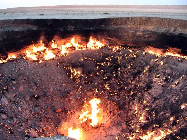 前へ 次へ 出典  【トルクメニスタン】延々と燃え続ける「地獄の門」のまとめ